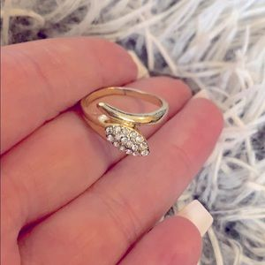 Beautiful gold rhinestone ring